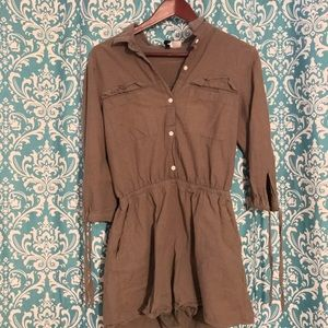 H&M olive long-sleeve romper with pockets